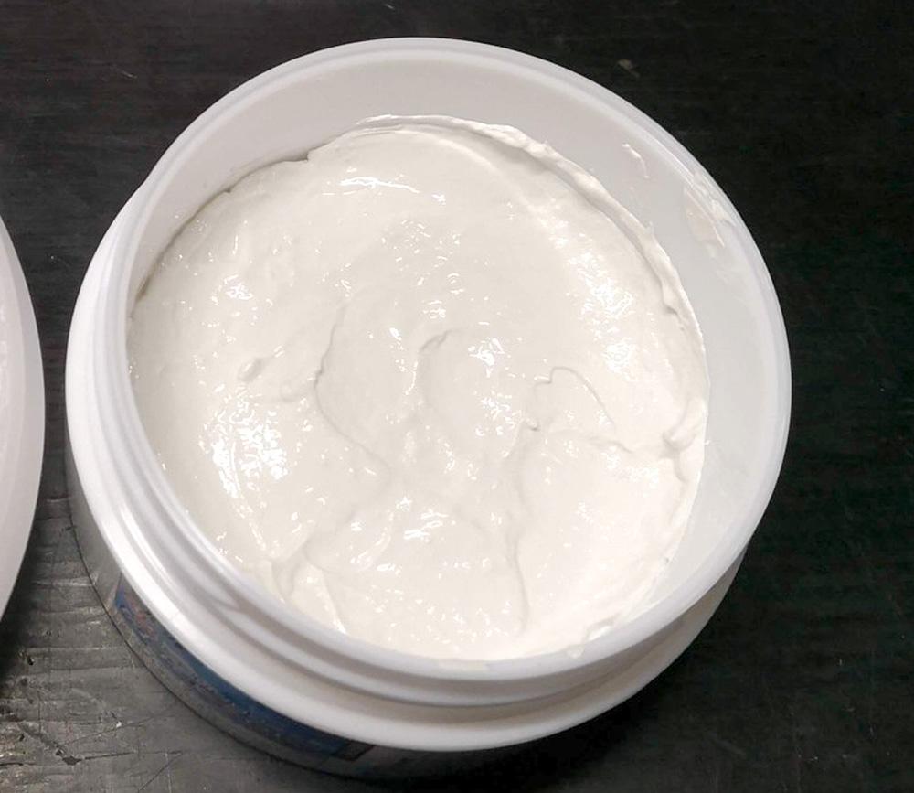 プロが使う、強力ガラスウロコ除去剤RE-4770W(無機系研磨剤)