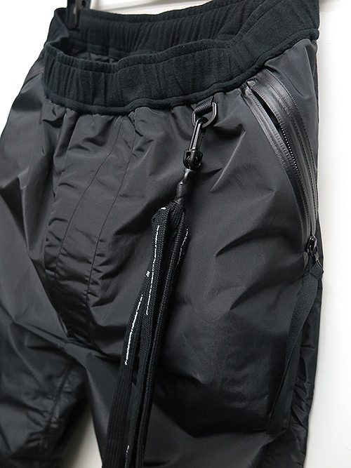 NIL/S・ニルズ/BRIGHT POLYESTER TAFFETA TROUSERS BLACK.