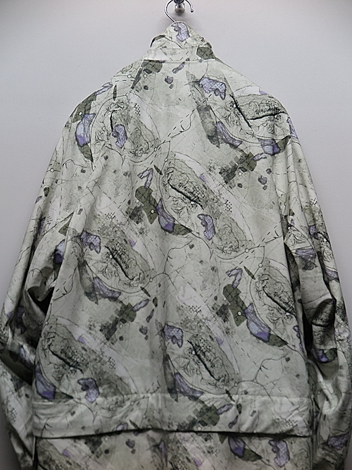 NIL/S・ニルズ/PRINTED PL STRETCH TWILL COAT FOR MALE/OFF WHITE