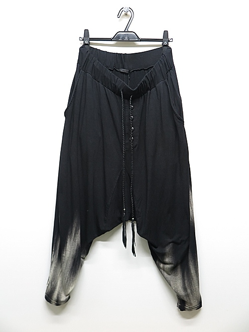 KMRii・ケムリ/Rayon Spandex Discharged Viscose Triangle Pants 02/BLK.