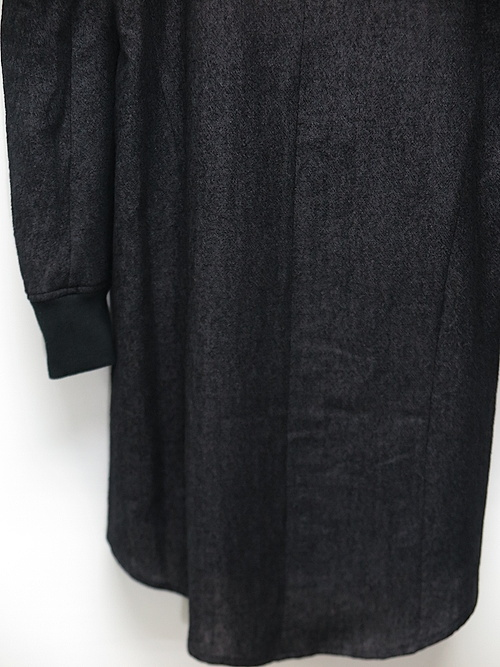 D.HYGEN・ディーハイゲン/ウール×リネンミニマルハイネックロングシャツ/BLACK