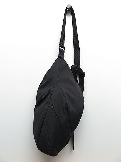 The Viridi-anne・ザ ヴィリディアン/ショーラーショルダーバッグ BLACK