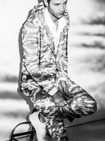 SALE60%OFF/SUMRUFF(サムラフ)カモジャガードフーデットジャケット・ホワイトグレー.