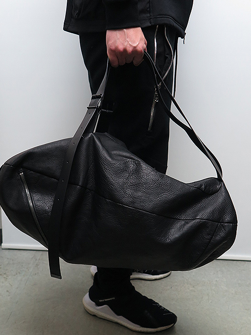 T.A.S・ティーエーエス/COW LEATHER DISTORTED 2WAY BAG.
