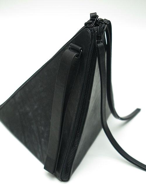 T.A.S・ティーエーエス/TRIANGULAR PRISM BAG