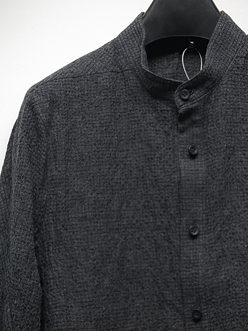 D.HYGEN・ディーハイゲン/ウール×コットンディンプルワッシャーバンドカラーシャツ/CHARCOAL
