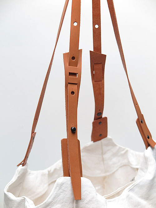 T.A.S・ティーエーエス/COMBINATION SHOULDER BAG BIG・オフホワイト.
