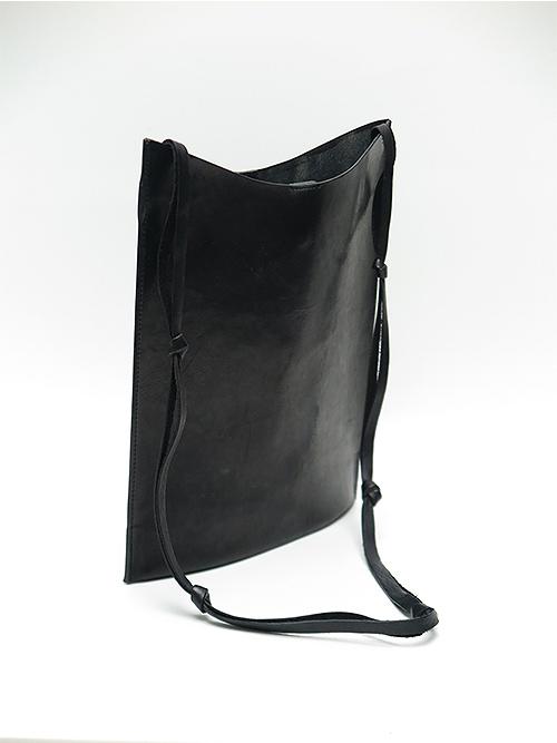 T.A.S・ティーエーエス/TANGLED STRAP SHOULDER BAG.