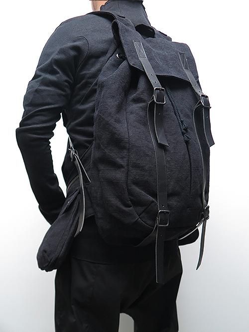 D.HYGEN・ディーハイゲン/ジュート×コットンミリタリーツイルベストバッグアタッチドバッグパック/BLACK