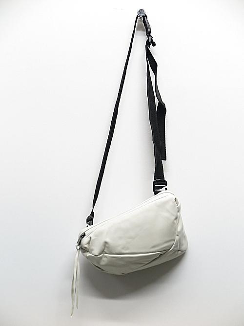 The Viridi-anne・ザ ヴィリディアン/中綿ポーチ/WHITE