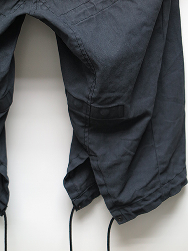 SALE60%OFF/JULIUS・ユリウス/COATED COTTON TWILL RECONSTRUCTION MILITARY PANTS/BLK.