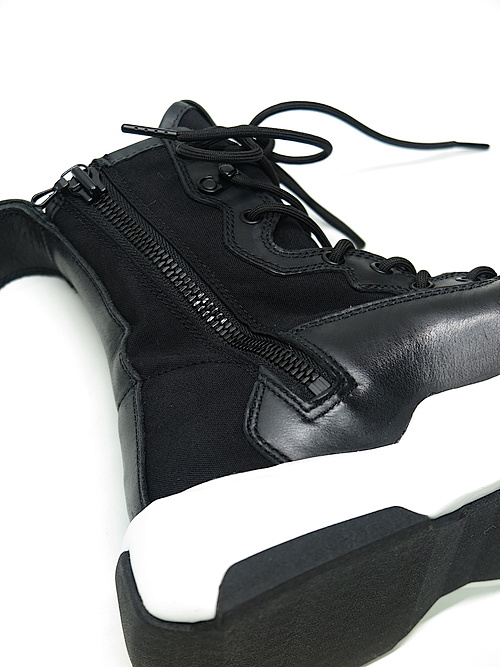 JULIUS・ユリウス/COW SKIN LACE-UP BOOTS/BK x WH