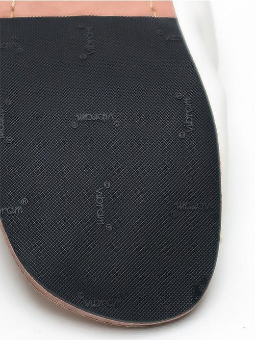 (予約品)3〜4月入荷予定/Portaille・ポルタユ/Soft tanned horse Thong sandals/WHT