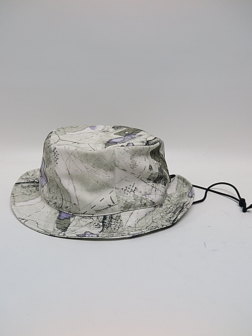 NIL/S・ニルズ/PRINTED PL STRETCH TWILL CAP/OFF WHITE