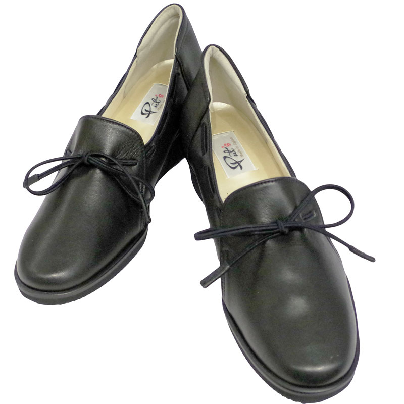 Put's プッツ 1703  ブラック【会員登録で送料無料&ポイント10%!】 Put'sは足もとと人を美しくするレディースシューズ・ブランド ゆったり幅のEEE 街歩きやご旅行に最適のカジュアルシューズです