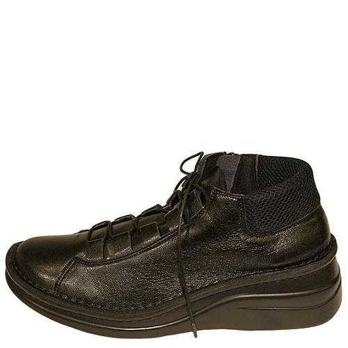 《Put's プッツ》81079 ブラック【会員登録で送料無料&ポイント10%!】足に吸いつくようなはきごこち! 外反母趾にやさしいゆったり幅のEEE 脱ぎ履きカンタンのサイドファスナー付き編み上げブーツです