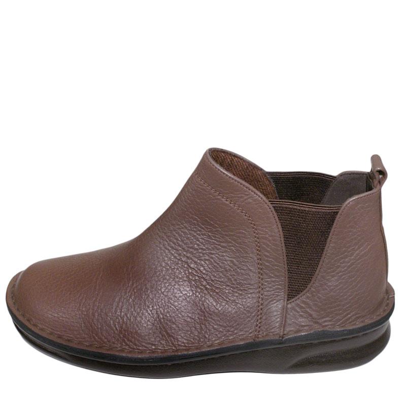 《Put's プッツ》8565 ブラウン【会員登録で送料無料&ポイント10%!】足に吸いつくようなはきごこち! 外反母趾にやさしいゆったり幅のEEE おとなのためのナチュラルスタイルショートブーツです