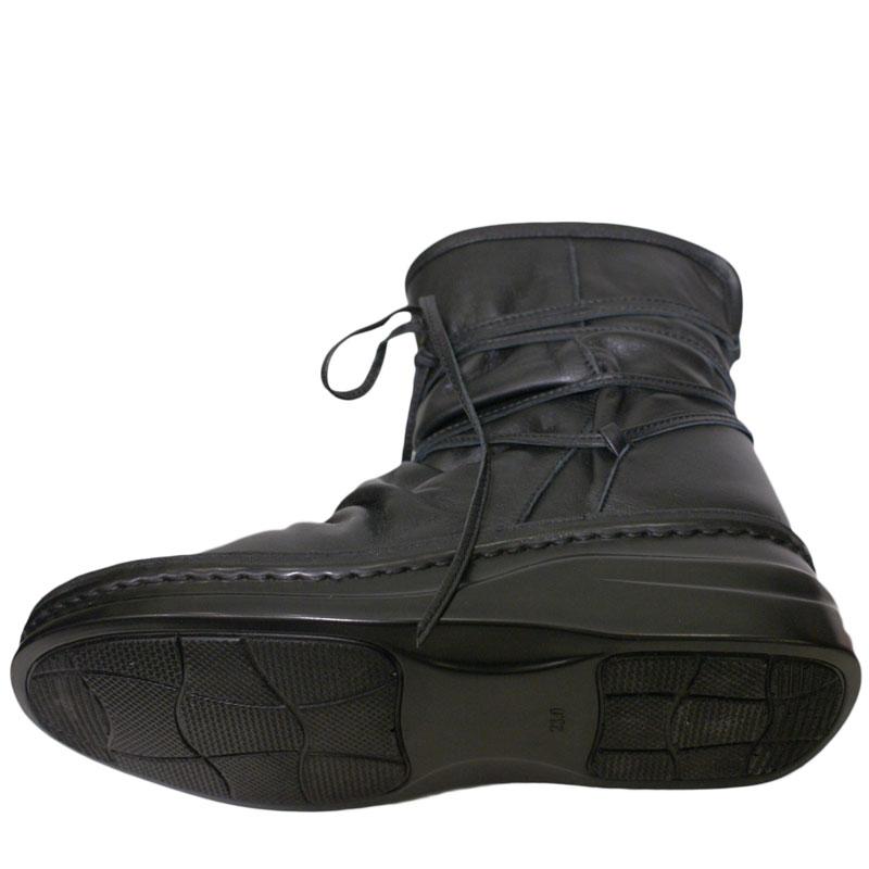 《Put's プッツ》8344 ブラック【会員登録で送料無料&ポイント10%!】足に吸いつくようなはきごこち! 外反母趾にやさしいゆったり幅のEEE 脱ぎ履きカンタンのルーズフィットハーフブーツです