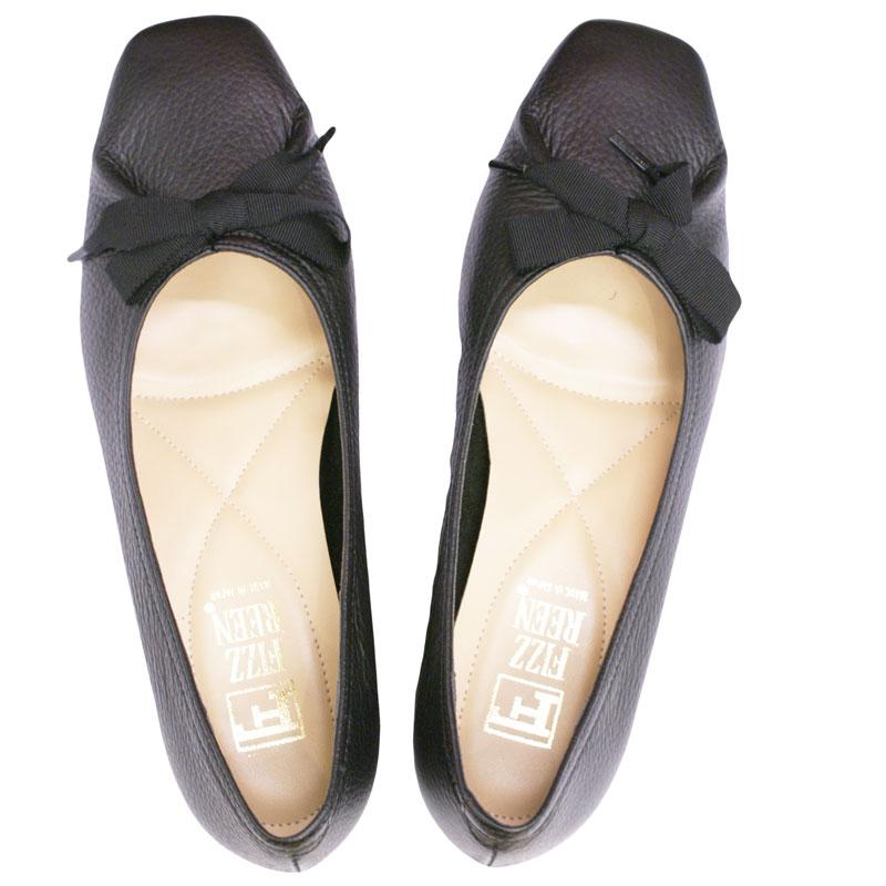 《FIZZ REEN フィズリーン》 3047 ブラック【会員登録で送料無料&ポイント10%!】 魅せるデザインと歩きやすく痛くならない信頼の日本製レディースシューズ・ブランド ゆったり幅のEEE リボンが素敵なバレエ フラットシューズです