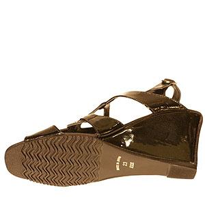 FIZZ REEN フィズリーン 2498 ブラックエナメル【会員登録で送料無料&ポイント10%!】 魅せるデザインと歩きやすく痛くならない信頼の日本製レディースシューズ・ブランド 高いヒールでも履きやすいウェッジヒールサンダルです