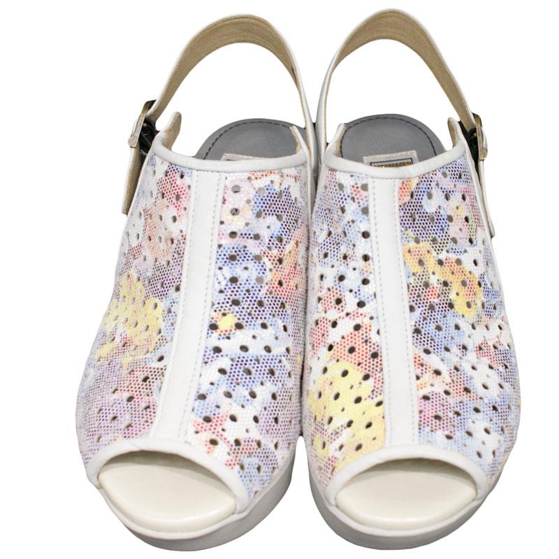 FIZZ REEN フィズリーン 80013 フラワー【会員登録で送料無料&ポイント10%!】 魅せるデザインと歩きやすく痛くならない信頼の日本製レディースシューズ・ブランド EEEE幅ゆったりで厚めソールが気持ちいいサンダルです