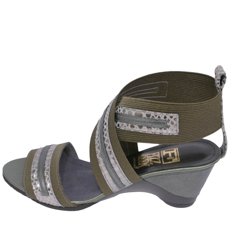 FIZZ REEN フィズリーン 8685 カーキ【会員登録で送料無料&ポイント10%!】 魅せるデザインと歩きやすく痛くならない信頼の日本製レディースシューズ・ブランド ベルトづかいが斬新で履きやすいおしゃれサンダルです