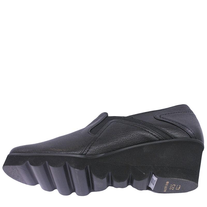 Put's プッツ 2101  ブラック【会員登録で送料無料&ポイント10%!】 Put'sは足もとと人を美しくするレディースシューズ・ブランド ゆったり幅のEEE 街歩きやご旅行に最適のカジュアルシューズです
