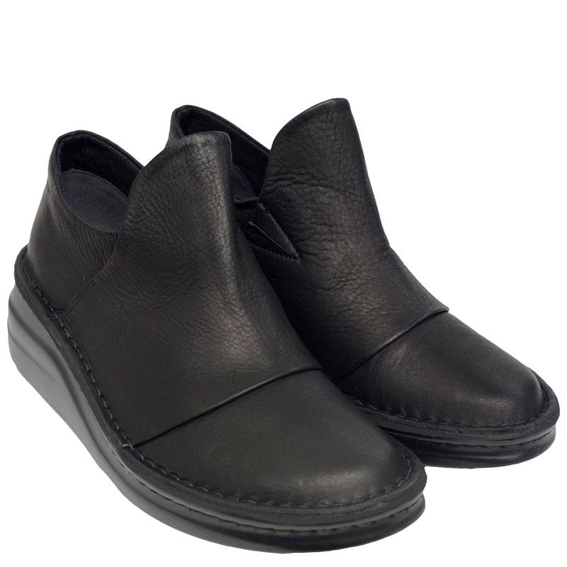 《Put's プッツ》8789 ブラック【会員登録で送料無料&ポイント10%!】 足に吸いつくようなはきごこち! 外反母趾にもやさしいゆったり幅のEEE ラウンドトゥのナチュラルスタイルのコンフォートシューズです