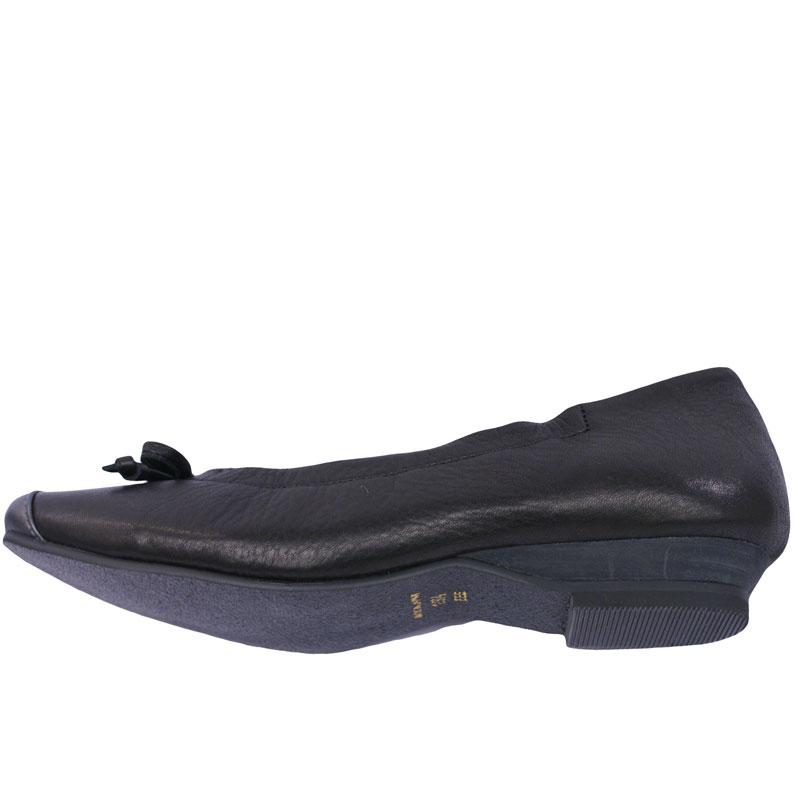 《FIZZ REEN フィズリーン》390 ブラック【会員登録で送料無料&ポイント10%!】 魅せるデザインと歩きやすく痛くならない信頼の日本製レディースシューズ・ブランド ゆったり幅のEEE フェミニンさがすてきなバレリーナシューズです
