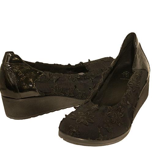 Put's プッツ 5217 ブラック【会員登録で送料無料&ポイント10%!】 Put'sは足もとと人を美しくするレディースシューズ・ブランド ゆったり幅のEEE