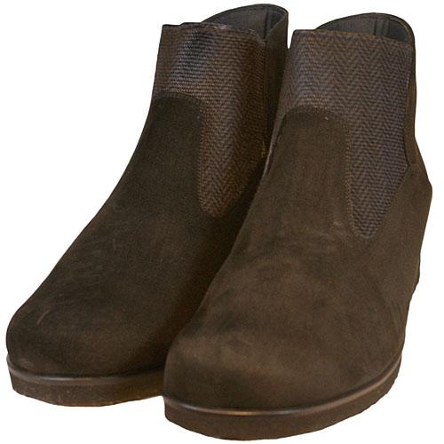 《Put's プッツ》3013 ブラック【会員登録で送料無料&ポイント10%!】 Put'sは足もとと人を美しくするレディースシューズ・ブランド ゆったり幅のEEE おとなのサイドゴアデザートブーツです