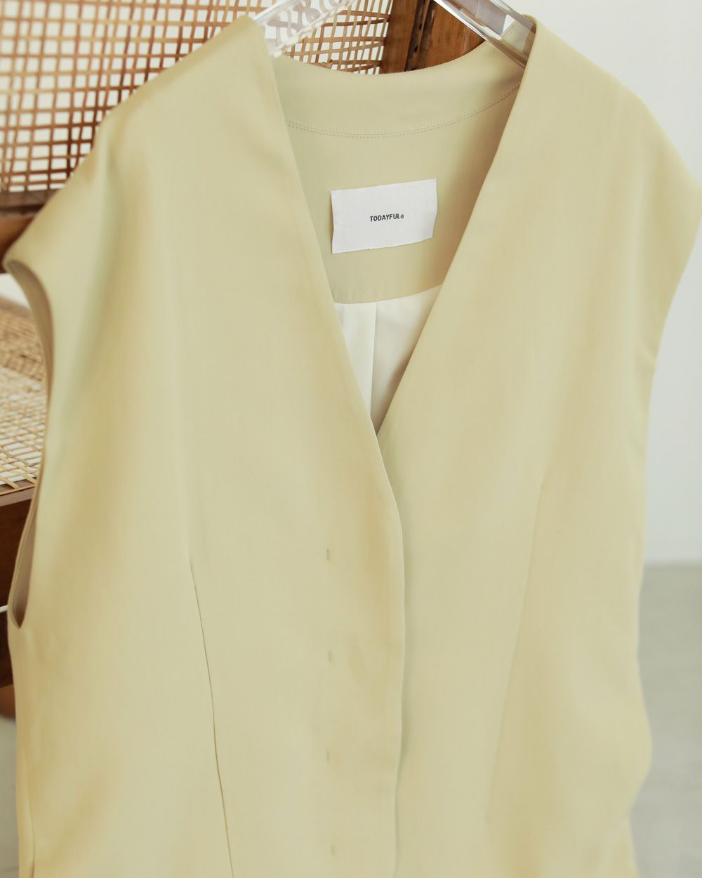 TODAYFUL Collarless Twill Vest 12110105