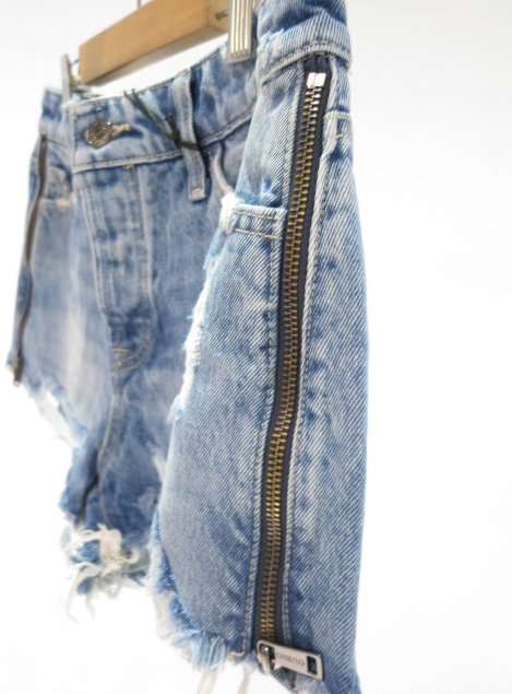 """<strong><font color=""""#ff0033"""">30%OFF!!</font></strong>GUESS ダメージ加工サイドファスナーショートパンツ W1GD7003P32"""