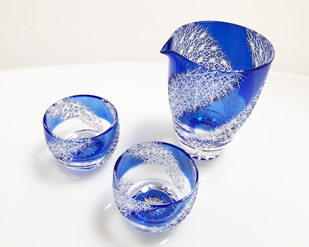 酒注ぎ 光る宙 瑠璃