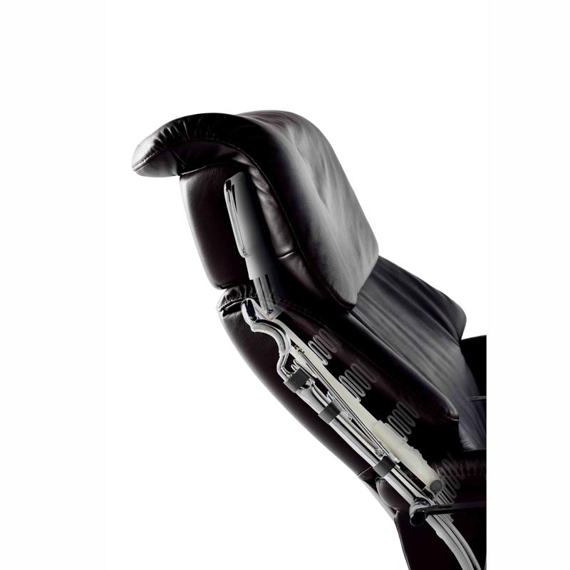 【Stressless】ストレスレスチェア・ビュー シグネチャー(Mサイズ) オットマン付き 本革張り一人掛けソファ
