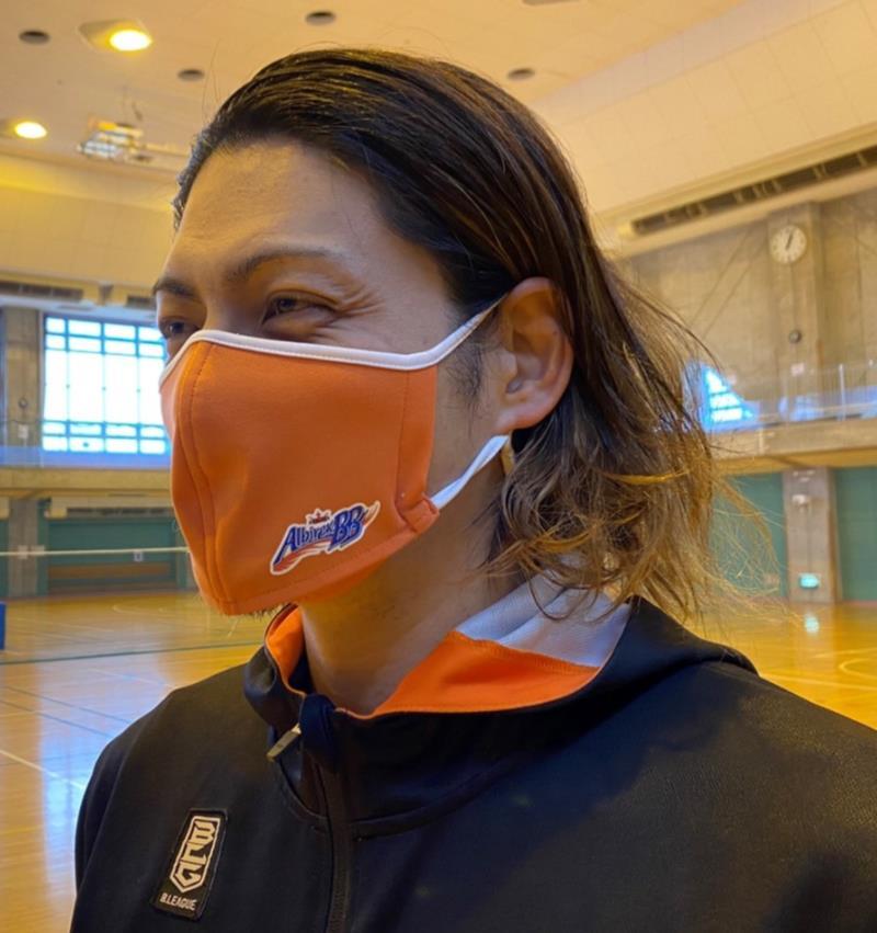 ベンチレーションマスク 新潟アルビレックスBBモデル 呼吸が楽 メガネが曇りにくい 洗える 日本製 スポーツマスク 速乾 軽量 そのままドリンク 熱くない 通気性 UV ノンストレス MASK38ABB-OR(オレンジ)