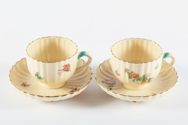 【白薩摩】菊型コーヒーカップ(蝶)  ※送料無料