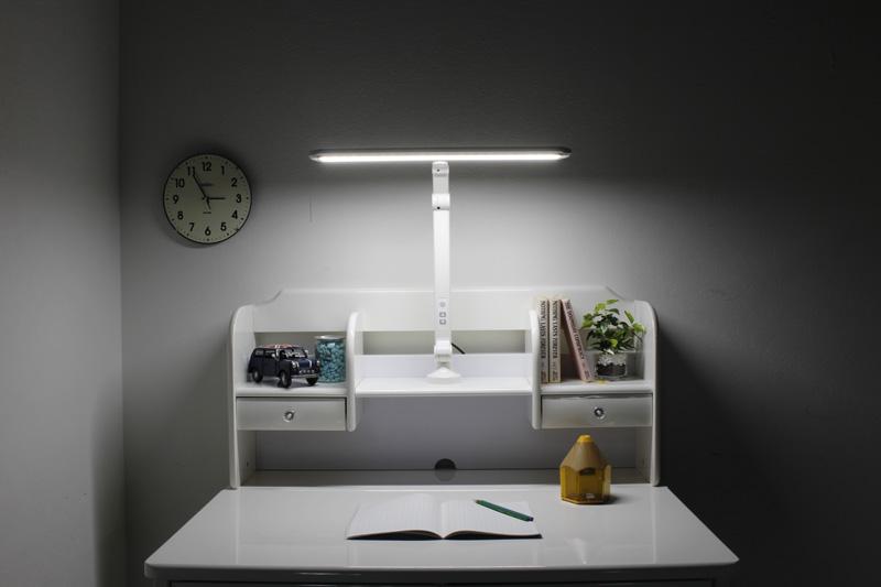 学習机用LEDライト(T字/TDL-12W)