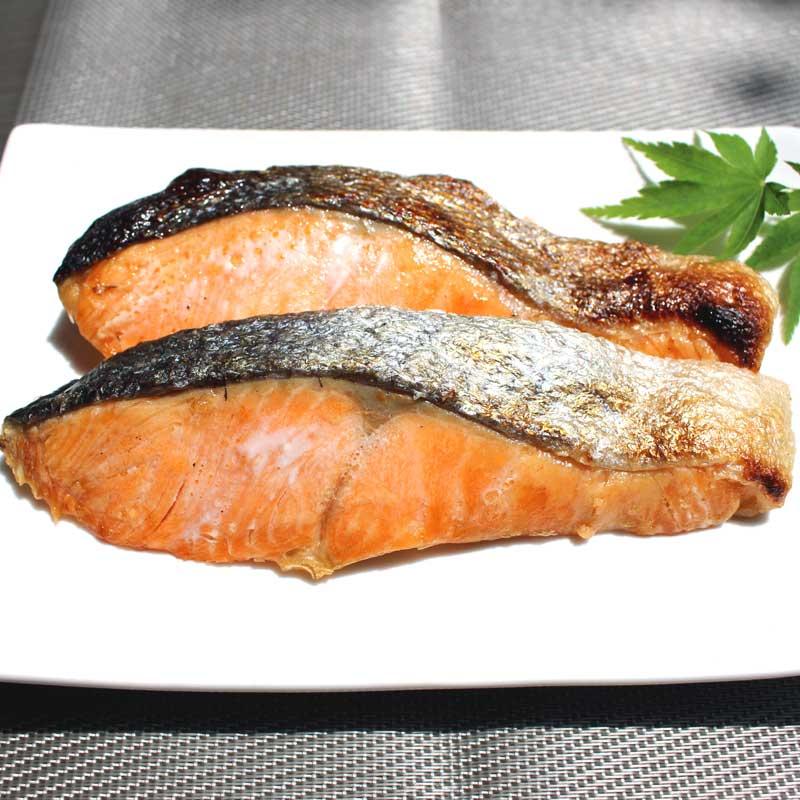 2020年新物 三陸産 養殖銀鮭 姿切 大 2.1kg