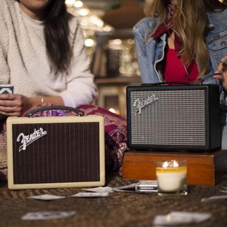 Fender「INDIO」ミドルサイズポータブルBluetoothスピーカー