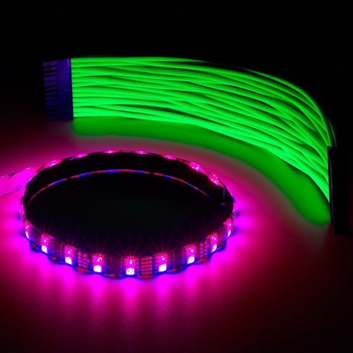 CableMod WideBeam Hybrid LED Strip 30cm - RGB/UV (CM-LED-30-D30RGBU-R)