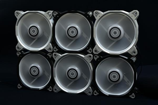 Lian Li BORA 120 RGB Black 増設用ファン単品