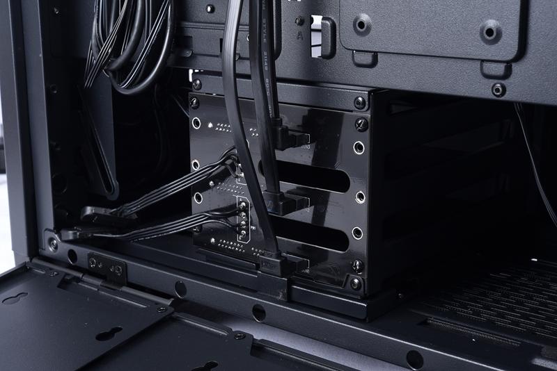 【取寄せ商品:要納期確認】 Lian Li LANCOOL II-3X (Hot-swappable Back Plate for LANCOOL II)