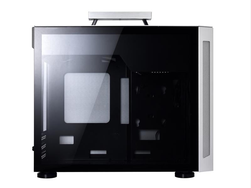 【取寄せ商品:通常納期約3〜4営業日】 Lian Li TU150 SILVER (強化ガラスサイドパネル)