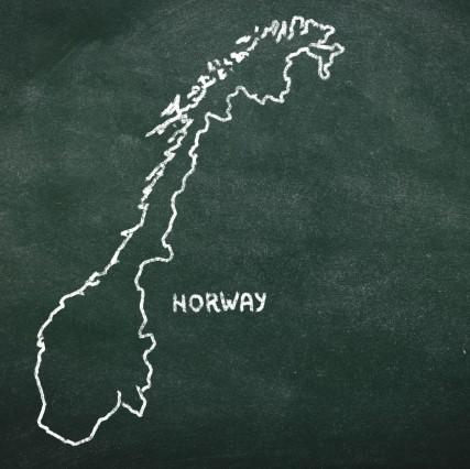 【送料無料】イースブレ[ノルウェー]硬度2.4(軟水) 500ml(24本)