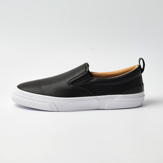 CALMER LX (SLIP-ON)(BLACK/BLACK/WHITE)