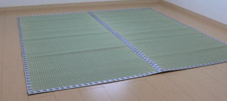 畳屋さんが作った!い草の上敷き(2枚)面ファスナー付き(おむらんちゃん縁)