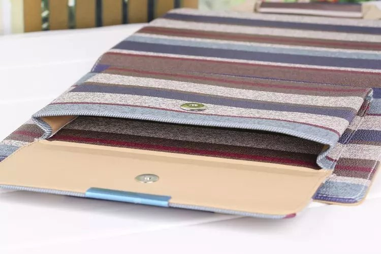 送料無料 2020年発売 iPad Air4 ケース 10.9インチ iPad Air(第4世代)ケース アイパッド エア4 カバー タブレットPC 手帳型 収納 カバン 手提げケース 段階調整可能 スリープ機能付き ストライプ柄