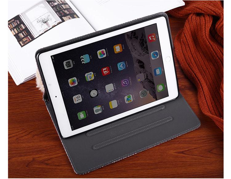 送料無料 iPad 10.2インチ(第7世代/2019)ケース アイパッド カバー タブレットPC  スタンドタイプ 手帳型 ファーチャーム 段階調整可能 ソフトケース チェック柄