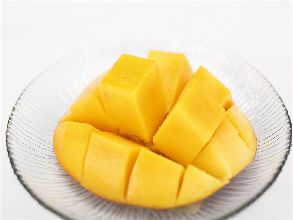 【K-2】ご家庭用マンゴー 2kg箱入り (4-6玉)(発送期間7月中旬-8月上旬)